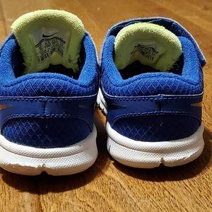 Nike flex kids size 7c